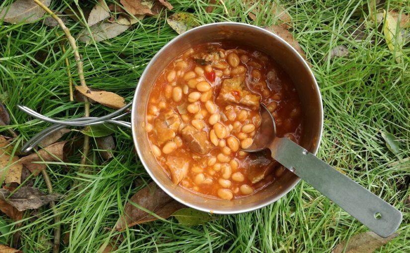 Chilli fazole s makrelou v tomatové omáčce
